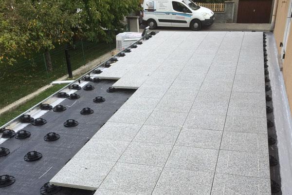 travaux d 39 tanch it sur toiture. Black Bedroom Furniture Sets. Home Design Ideas